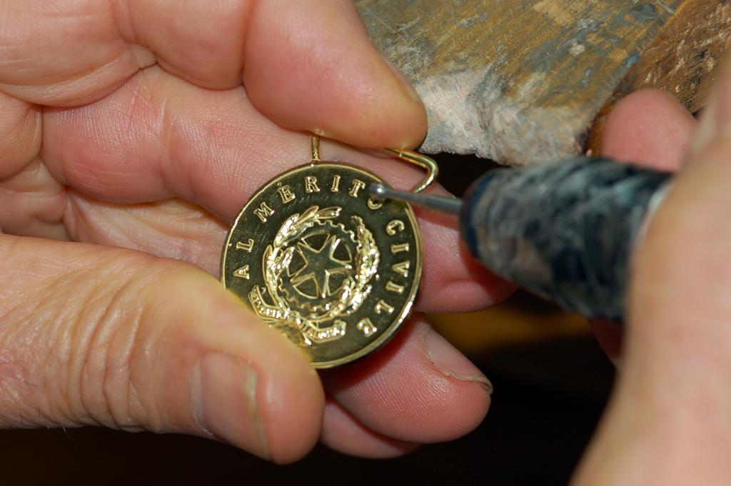 realizzazione della copia della medaglia da utilizzare nelle manifestazioni - foto 2